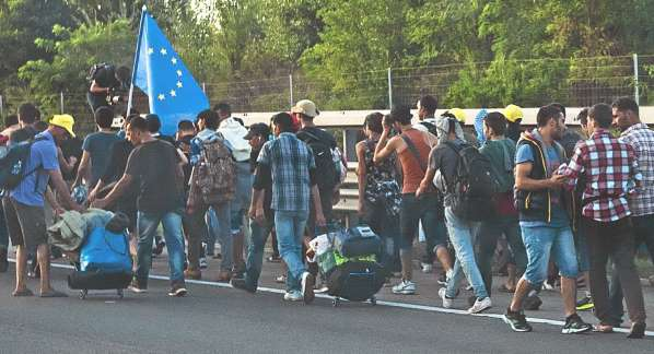 refugee_march_hungary